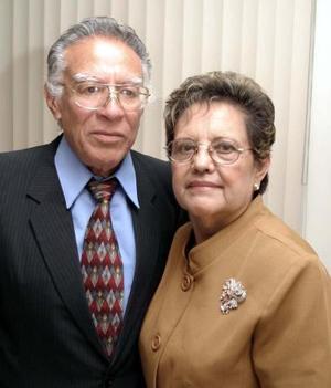 Raúl  Huízar González y Josefina Martínez de Huízar celebraron sus 45 años de casados