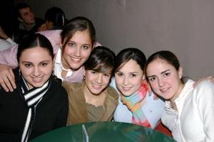 <b>06 de enero de 2005</b> <p> Lucero, Gaby, Andrea, Alma, Lily.