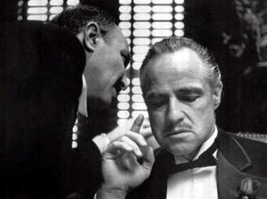 <b>02 de julio 2004</b> <p> El hombre conocido como el mejor actor de todos los tiempos, Marlon Brando, falleció en un hospital de Los Ángeles, confirmó su abogado. <p> Brando falleció a los 80 años en un hospital de Los Ángeles. <p> Conocido como el mejor actor del cine, algunos de sus trabajos más conocidos fueron El Padrino o La ley del silencio, por los que consiguió un Oscar.
