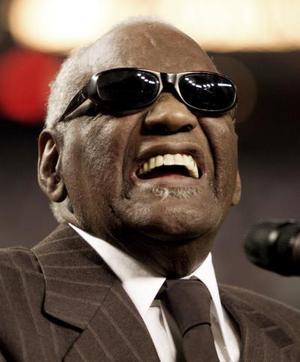 <b>10 de junio 2004</b><p>  Con la muerte de Ray Charles, el mítico cantante, pianista y compositor ciego que llevó la combinación de soul, gospel y blues a nuevas dimensiones, Estados Unidos se quedó hoy sin uno de sus principales íconos musicales. <p> El legendario músico falleció a los 73 años como resultado de una enfermedad que le afectaba el hígado, dijo su agente de prensa.