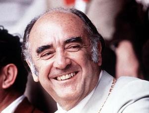 <b> 17 de febrero de 2004</b> <p> El ex presidente de México, José López Portillo (1976-82), falleció en un hospital capitalino al que ingresó a causa de una neumonía.  <p> El ex mandatario murió por una complicación cardiaca generadas por la neumonía.