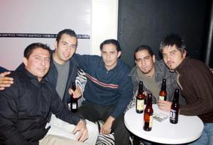 Andrés Islas, Víctor Alvarado, Luis Carrillo, Felipe Ramírez e Iván Lara.