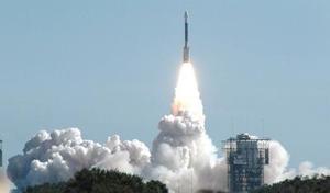El viaje sin retorno de 431 millones de kilómetros tiene como objetivo lanzar una especie de vehículo-proyectil -fortificado con cobre- que esencialmente será arrollado por el cometa Tempel 1 a una velocidad de 37 mil kilómetros por hora.