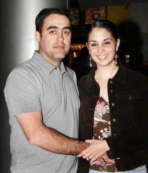 Carlos Fernández y Alejandra de Fernández.
