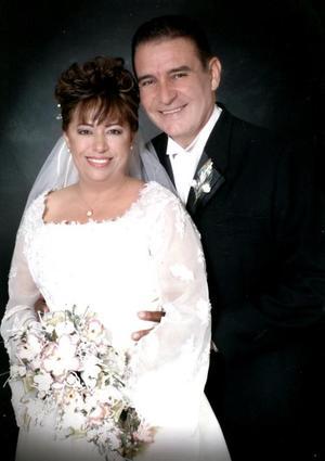 Dr. Raymundo Ramón Peña y Lic. Catalina Gabriela López contrajeron matrimonio civil el viernes 26 de noviembre de 2004.