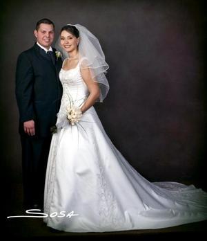 Arq. Pablo Omar Garrido Pérez y Lic. Cynthia Abularach Villalobos contrajeron matrimonio  religioso en la parroquia de Nuestra Señora de la Virgen de la Encarnación, el 11 de diciembre de 2004 .