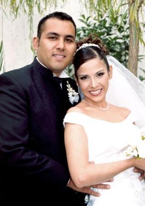 Ing. Gregorio Ruiz Reyes  y L.D.G. Alma Rosa Lluján Aguilar contrajeron matrimonio en la Iglesia de San Juan Bautista el  sábado 20 de noviembre de 2004.