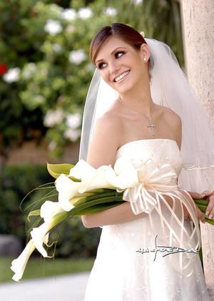 Srita. Laura de la Parra  Covarrubias el día de su enlace matrimonial con el Sr. Humberto Baca Martínez.