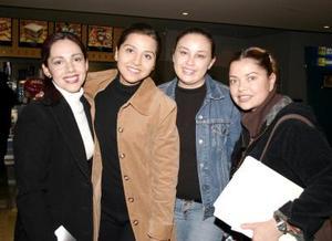 Raquel Rodríguez, Águeda Rivas, Ana Salazar y Gisela Zapata.