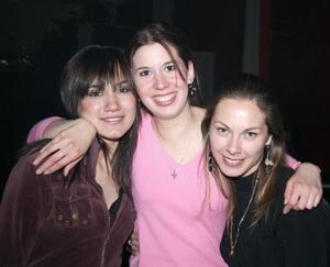 <b>21 de enero de 2005</b> <p> Martha, Alicia y Deborah.