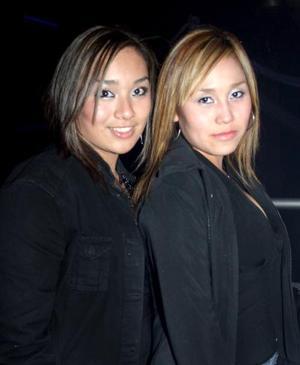 Montserrat Martínez y Verónica Vargas