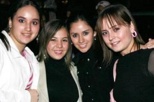 <b>01 de febrero de 2005</b> <p>  Mariana, Laura, Xiomora y Ana Isabel.