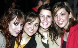 <b>02 de febrero de 2005</b> <p> Daniela Ramos, Daniela Vega, Maru  Zavala y Karina González.