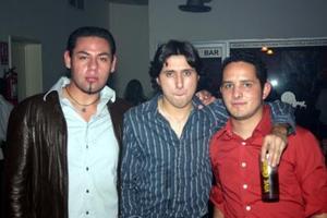 <b>06 de febrero de 2005</b> <p> Ángel de la Torre, Víctor Cardona y Alejandro Rivera.