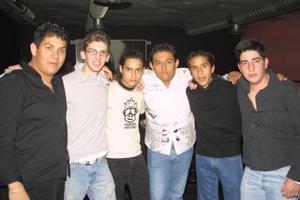 Édgar, Pocho, Gerardo, Eduardo, David y Chuy.