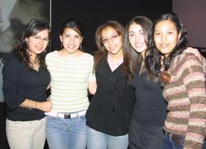 Laura Téllez, Ángela Ortiz, Melissa Martínez, Silvia Amezcua y Lupita Hernández.