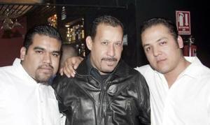 Oscar Romero, Toño Guerrero y Luis Salcedo.