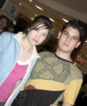 César Jaidar y Anahí Espinoza.