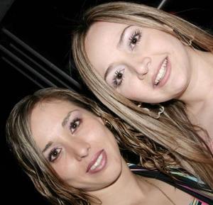 Daniela Rivera y Rosa Alicia Ramos.