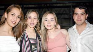 Karla Arias, Claudia Valenciana, Rosy Ramos y Miguel Flores.