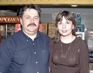 Ernesto Mijares y Teresa Mijares.