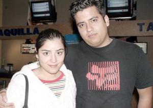 Paty y Luis Humberto disfrutaron la cinta Voces del Más Allá, en su sala favorita.