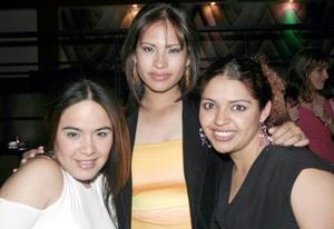 Cynthia, Gaby y Faviola.