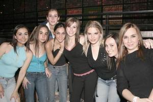 Stephy, Nadia, Mary Tere, Rosy, Regina, Jackie, Paulina y Maru.