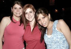 Mónica, Lizette y Ale.