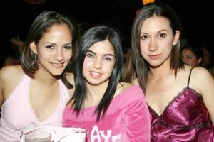 <b>21 de marzo de 2005</b> <p> Magda, Ale y Adriana.