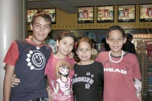 Francisco Valadez, Rosario Rosas, Adriana Ávila y Eduardo Valadez.