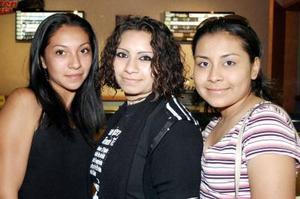 Samantha García, Karina Crespo y Paulina Gambina.