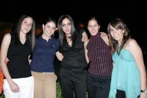 Andrea, Petra, Elisela , Marcela y Montse.