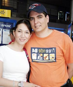 <b>04 de mayo de 2005</b> <p> Vicente Albéniz y Diana Méndez.