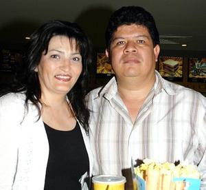 Gabriela de Ávila y Pedro Ávila.