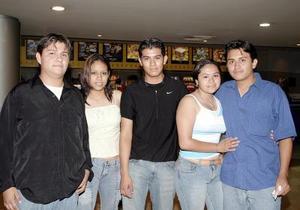 <b>25 de mayo de 2005</b> <p>  Samuel Ríos Muñoz, Teresa Martínez, Jorge Alberto Rodríguez, Érika Rocío Moreno y Marco Antonio Moreno