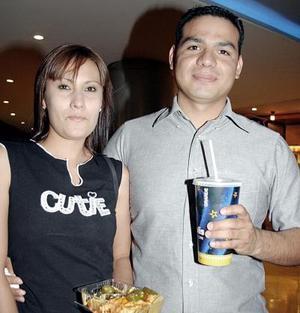 Érika Robles y Alberto Atayde.