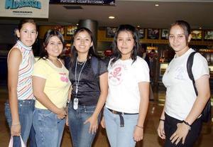 Diana Villanueva, Cristy Alemán, Ana Laura Badillo, Valeria Sifuentes y Susana Rodríguez