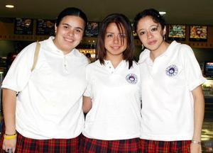 Mirna Mendoza, Cristina Carrillo y Laura Lainez