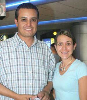<b>22 de junio</b> <p> Juan Antonio García y Claudia de García.