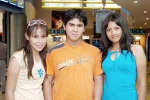 Karla Adame, Ángel Alaín y Jocelyn Morales.