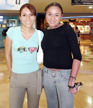 Denisse Boone y Anaid Herrera.