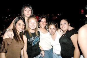 Bibiana, Temzy, Mayca, Karla, Gilda y Lily.