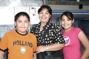 Miguel Cruz, Olivia Cossío y Laura Cruz