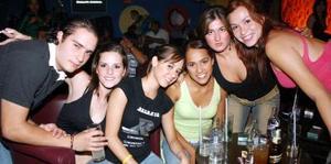 Nohemí, Fanny, Diego, Patty, Grisel y Magda