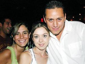 Marisa Urquizo, Liliana Fernández y Óscar Rodríguez