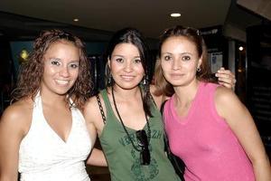 Claudia Juárez, Abigaíl Mendoza y Nora Barajas.