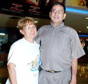Leonor Quintana de Sosa y Víctor Sosa.