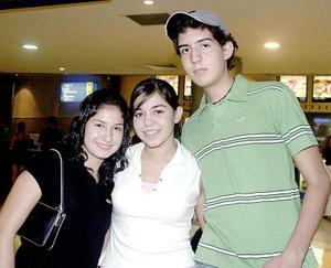 Mónica Ramírez,Denneb Bernal y Miguel Marín.