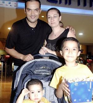 Marcelo, Claudia, Patricio y Jesús Muñoz.